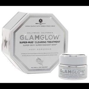 New! Glam Glow super mud clearing treatment mask